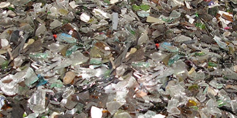 Extraction of impurities in glass and metal recycling